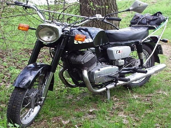 ČZ  250 - 250.471 (1975)