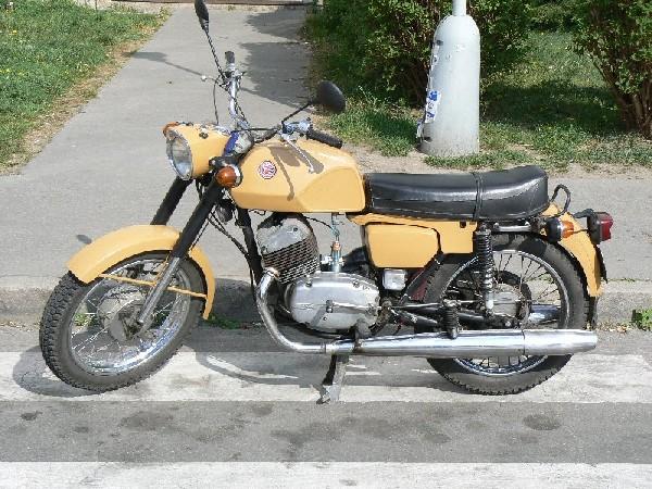 čz 250 250 - 250,471 (1975)