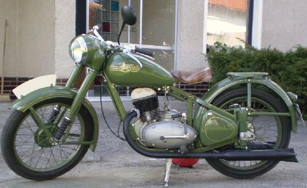 JAWA pérák - 11 (1947)
