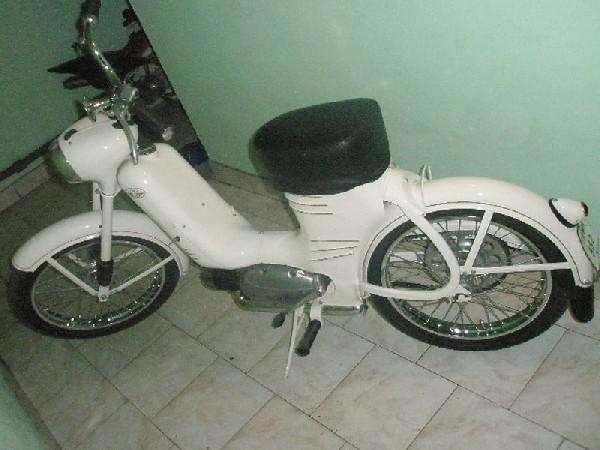 jawa - 550 pařez (1955)