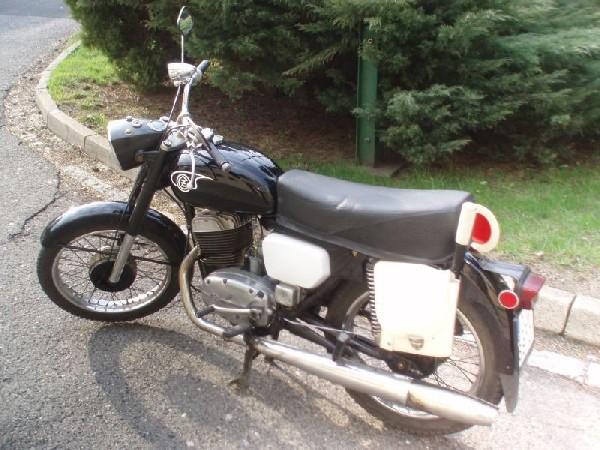ČZ - 744 (1973)