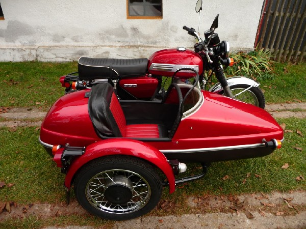 Jawa 634 + velorex 5 - 634 - 562 (1983)