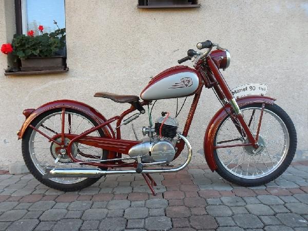 Manet - M 90 (1950)